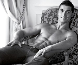 cristiano ronaldo, gato, and portugal image