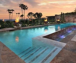 bonita, mansion, and piscina image