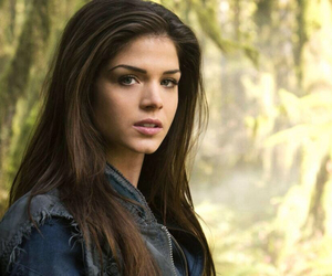 octavia blake and marie avgeropoulos image