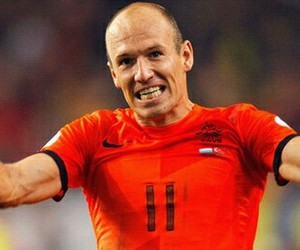 football, arjen robben, and man image