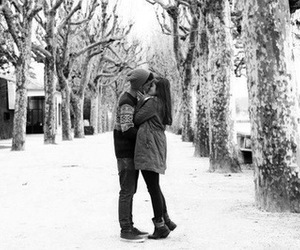 baiser, love, and couple image