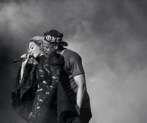 beyoncé, on the run, and jay image