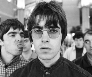oasis, liam gallagher, and noel gallagher image