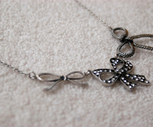 bow, fashion, and necklace image