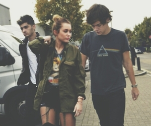 miley cyrus, hiley, and destiny hope cyrus image