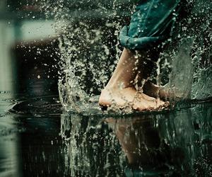 water, rain, and feet image
