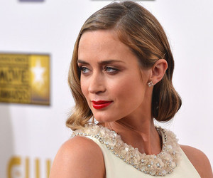 beauty, red, and Emily Blunt image