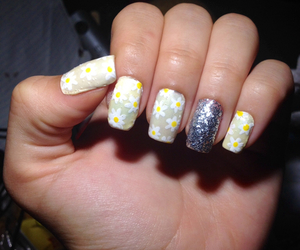 daisies, flowers, and nail art image