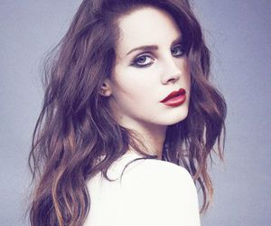 pretty, red lips, and lana del rey image