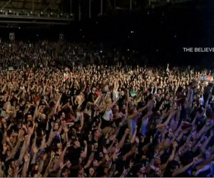 30 seconds to mars, crowd, and believer image