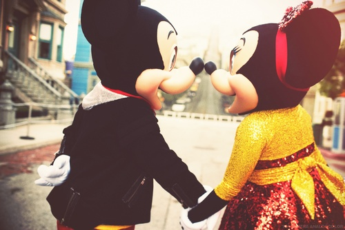 Immagini Natale We Heart It.Mickey And Minnie Uploaded By Unexpected On We Heart It