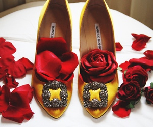 manolo blahnik and manolos image