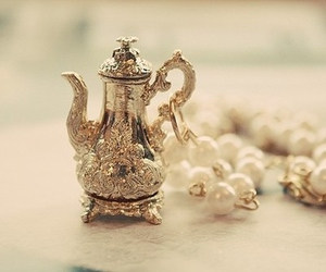 pearls, vintage, and teapot image