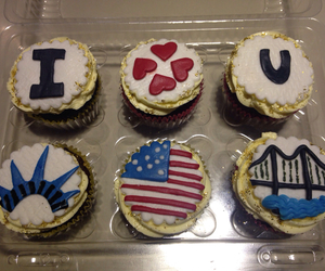 cupcakes, usa, and friend image