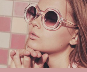 model, indie, and sunglasses image