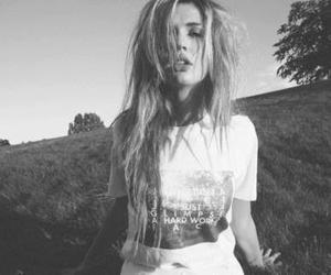 girl white and black image