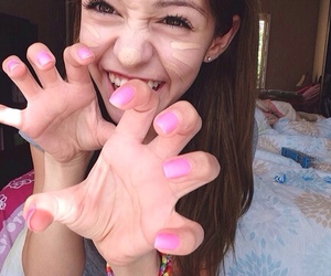 nails, concealer, and tumblr girl image