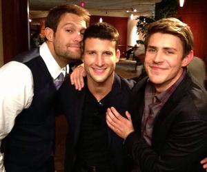 chris lowell, geoff stults, and parker young image