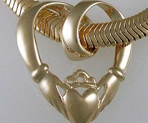 heart and irish claddagh image