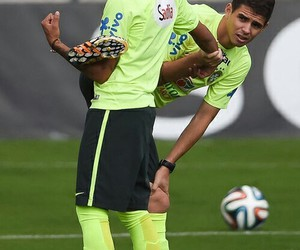 neymar jr, oscar, and neymar image
