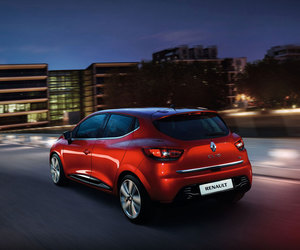 renault and clio 4 image