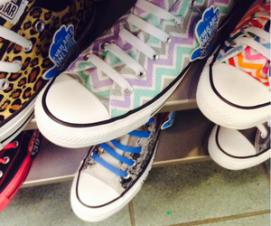 converse, fashion, and Journeys image