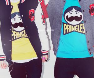 pringles and boy image