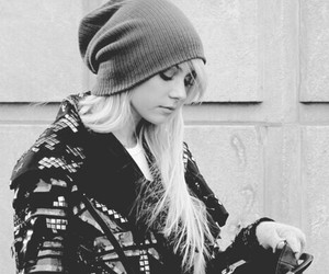 Taylor Momsen and black and white image