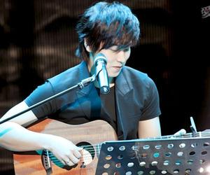 guitar, sungmin, and super junior image