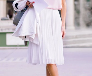 chic and skirt image