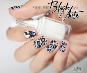 black and white, blanco y negro, and fashion image