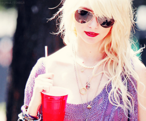 girl, Taylor Momsen, and red image