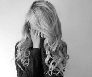 black and white, pelo, and rulos image