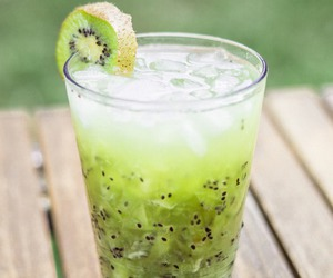 drink, kiwi, and fruit image