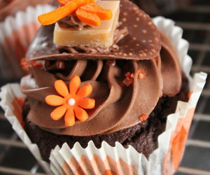 cupcakes, yummy cupcakes, and pretty cupcakes image