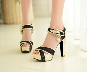 beauituful women sandals and fashion women sandals image
