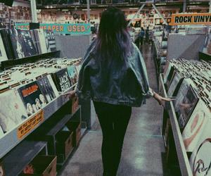grunge, girl, and music image