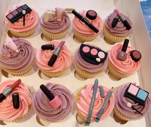 cupcake, food, and make up image