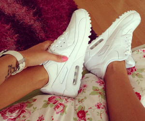 girl, shoes, and airmax image