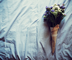 flowers, vintage, and bed image
