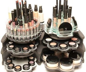 glitter, lipstick, and caja image