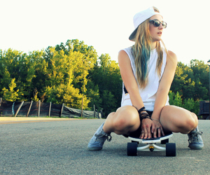 blonde, longboard, and messy hair image