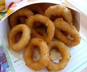 food, onion rings, and delicious image