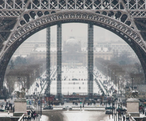 paris and winter image