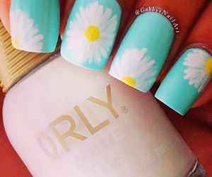 nails, daisy, and flowers image