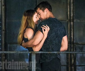 Shailene Woodley, divergent, and theo james image