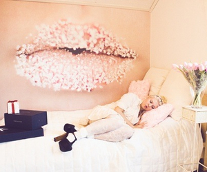 bedroom, flowers, and pink image