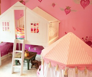 baby and room image