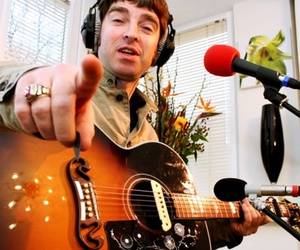guitar, man, and noel gallagher image