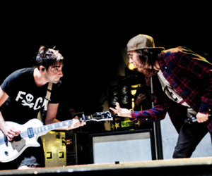 vic fuentes, all time low, and jack barakat image